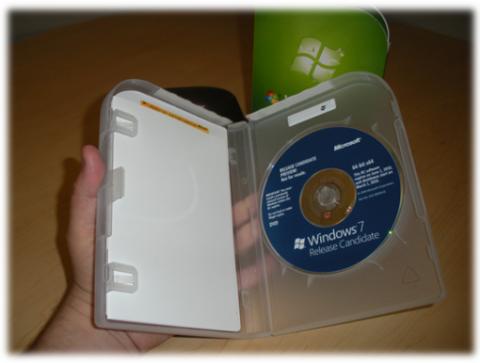 Windows 7 Box & DVD